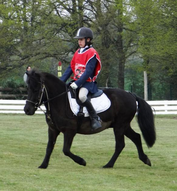 Sarah et Viking 1ère CCE poney3 Aubigny sur Nère 2016